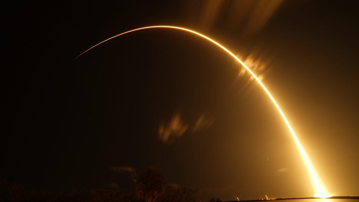 Falcon 9 Starlink - Long Exposure